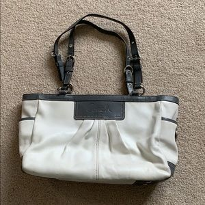 Coach // White and Grey Leather Purse